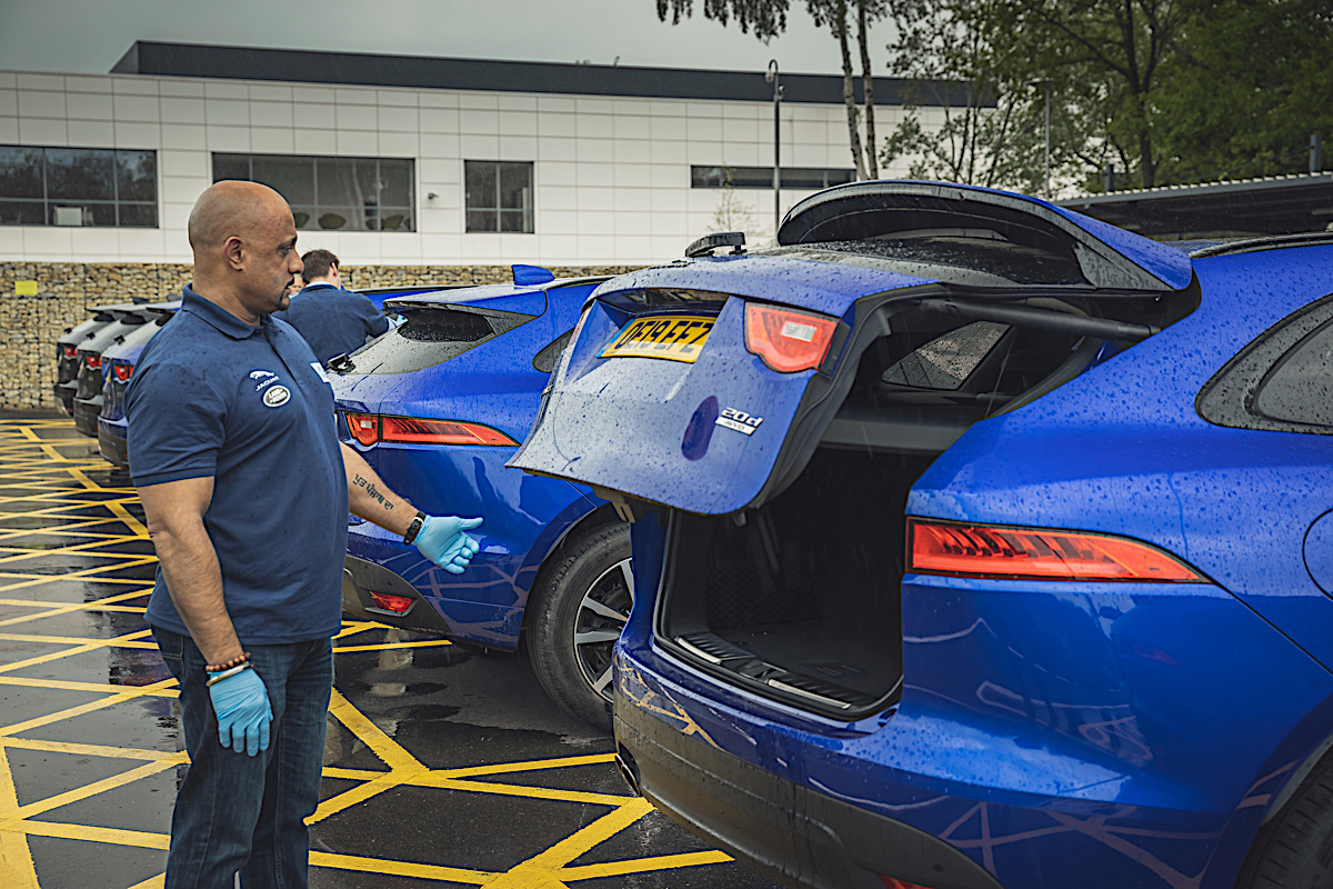 Jaguar provides 15 vehicles to support the UKs Help NHS Heroes 3