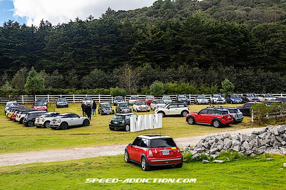 Circle of MINI Friends celebra su primer aniversario con emotiva caravana a Tecpán